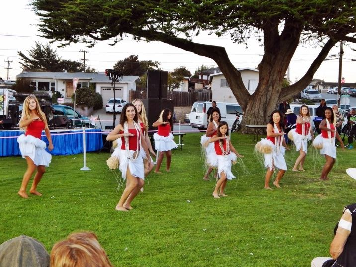 Hula Dancers on City Hall Lawn